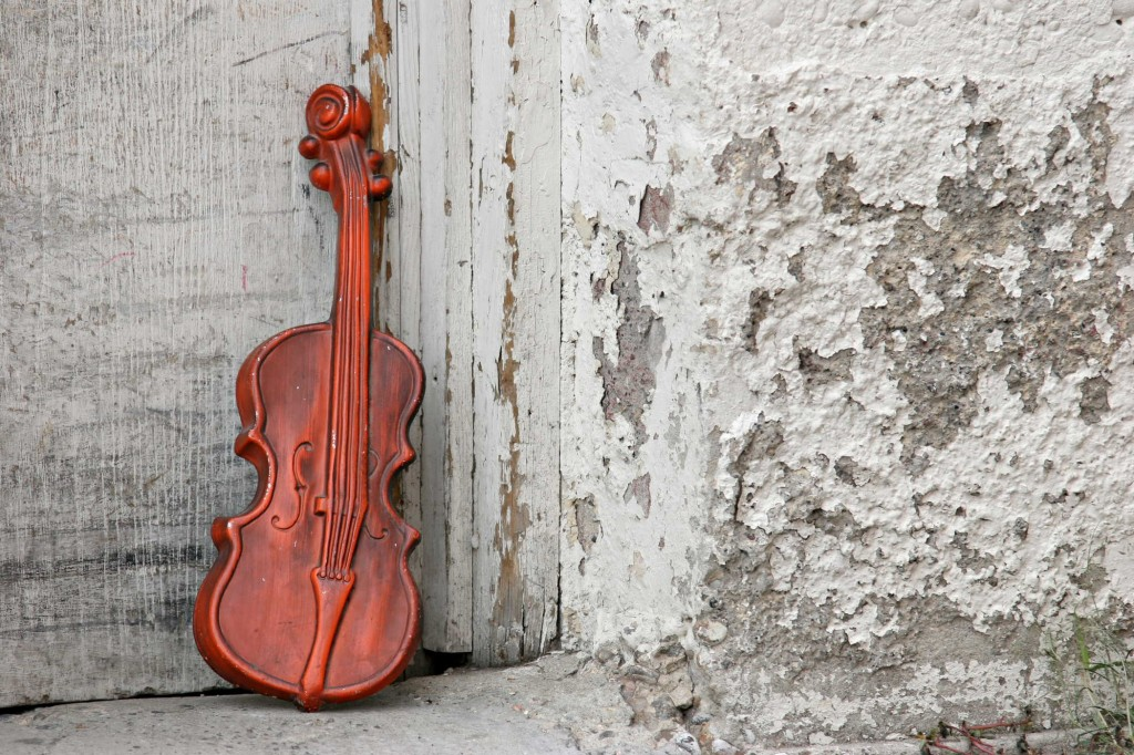 violin against the door