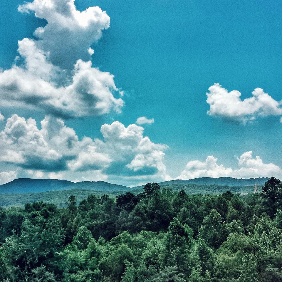 North Carolina mountains, Photo © Nic Blaski June 2015