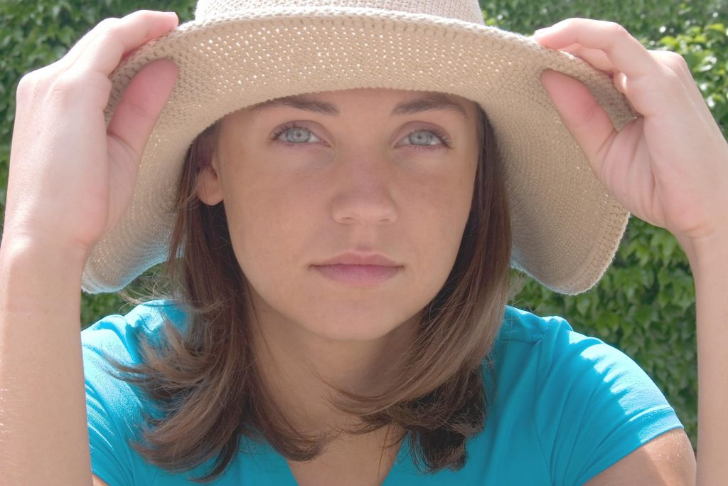 Wear_a_hat_while_in_the_sun